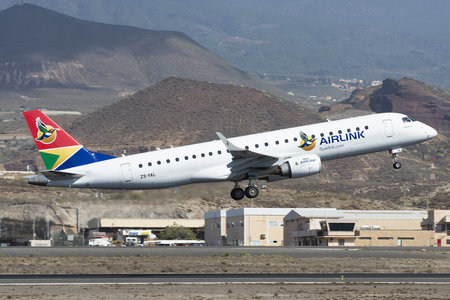Embraer 190-100IGW - ZS-YAL operated by Airlink