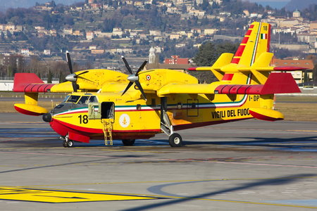 Bombardier CL-415 - I-DPCT operated by Corpo nazionale dei vigili del Fuoco (Italian National Firefighters Corps)