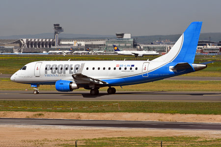 Embraer 170-100LR - OE-LMK operated by People`s Viennaline