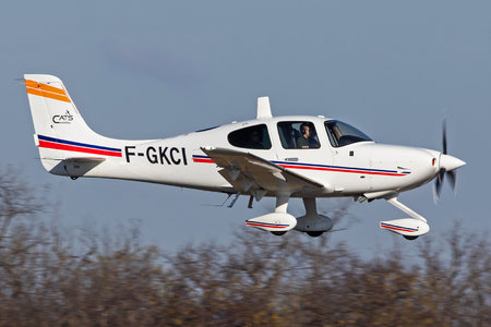 Cirrus SR22 - F-GKCI operated by CASSIDIAN Aviation Training Services
