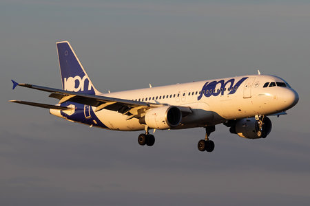 Airbus A320-214 - F-GKXH operated by Joon