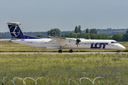 Bombardier DHC-8-Q402 Dash 8 - OY-YBZ operated by LOT Polish Airlines
