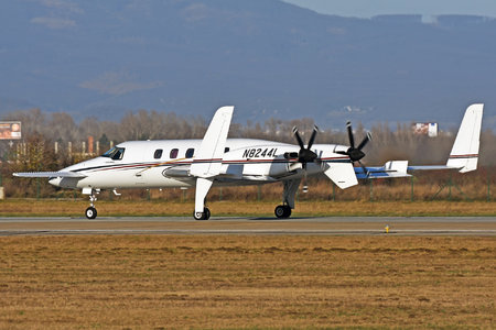 Beechcraft 2000A Starship - N8244L operated by Private operator
