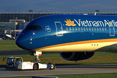 Airbus A350-941 - VN-A890 operated by Vietnam Airlines