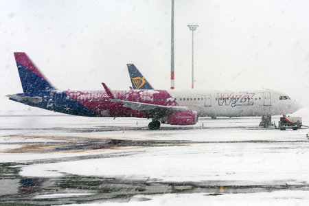 Airbus A321-231 - HA-LXE operated by Wizz Air