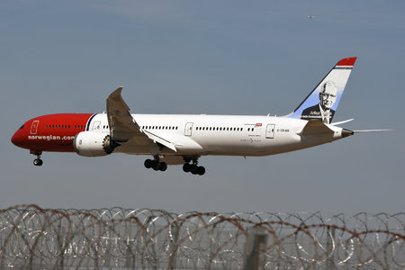 Boeing 787-9 Dreamliner - G-CKWB operated by Norwegian Air UK