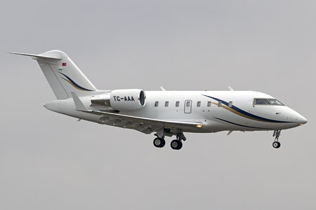 Bombardier CL-600-2B16 Challenger 605 - TC-AAA operated by Private operator