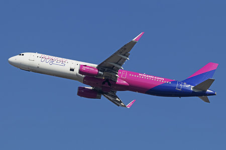 Airbus A321-231 - HA-LXR operated by Wizz Air