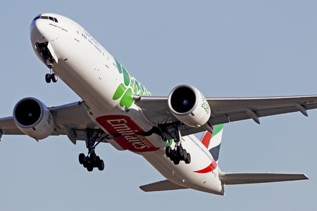 Boeing 777-300ER - A6-EPL operated by Emirates