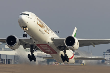 Boeing 777-300ER - A6-ENC operated by Emirates