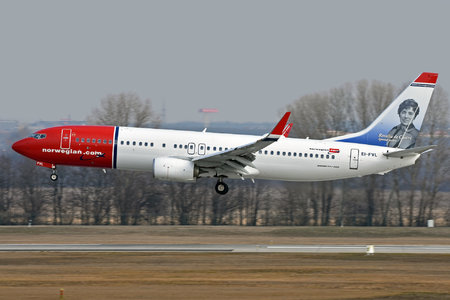 Boeing 737-800 - EI-FVL operated by Norwegian Air International