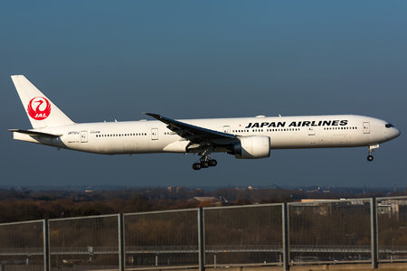 Boeing 777-300ER - JA731J operated by Japan Airlines (JAL)