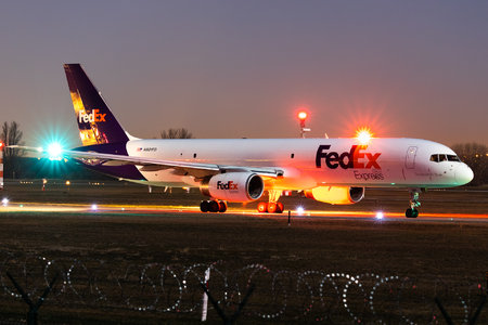 Boeing 757-200SF - N901FD operated by FedEx Express