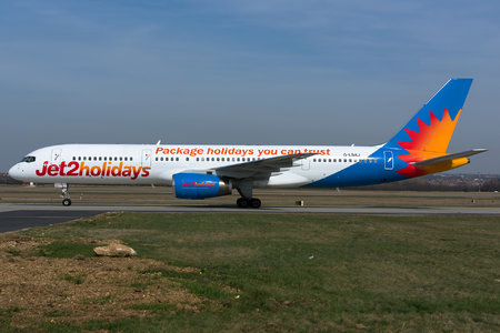 Boeing 757-200 - G-LSAJ operated by Jet2