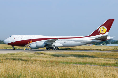 Boeing 747-8 - VQ-BSK operated by Qatar Amiri Flight