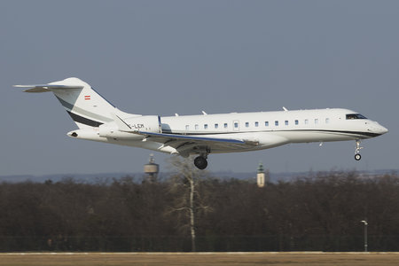 Bombardier Global 6000 (BD-700-1A10) - OE-LEM operated by Private operator