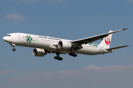Boeing 777-300ER - JA734J operated by Japan Airlines (JAL)