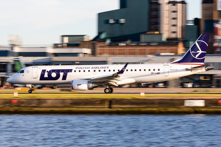 Embraer E190STD (ERJ-190-100STD) - SP-LMD operated by LOT Polish Airlines