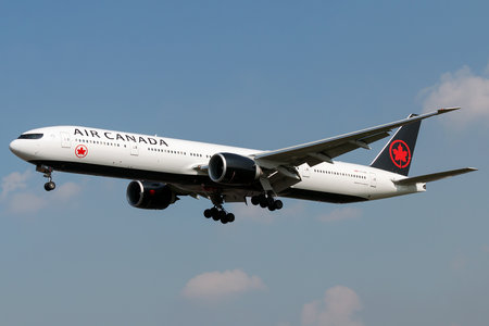 Boeing 777-300ER - C-FJZS operated by Air Canada