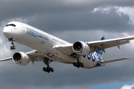 Airbus A350-1041 - F-WMIL operated by Airbus Industrie