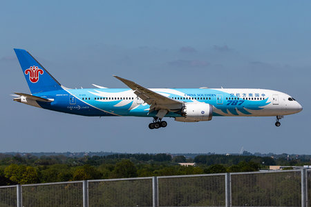 Boeing 787-9 Dreamliner - B-1293 operated by China Southern Airlines