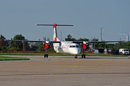 Bombardier DHC-8-Q402 Dash 8 - OE-LGN operated by Austrian Airlines