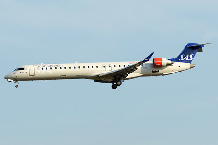 Bombardier CRJ900LR - EI-FPH operated by Scandinavian Airlines (SAS)