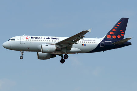 Airbus A319-112 - OO-SSG operated by Brussels Airlines