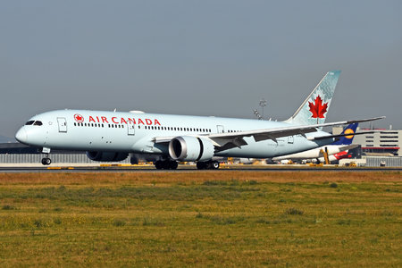 Boeing 787-9 Dreamliner - C-FNOI operated by Air Canada