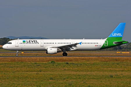 Airbus A321-211 - OE-LCF operated by LEVEL