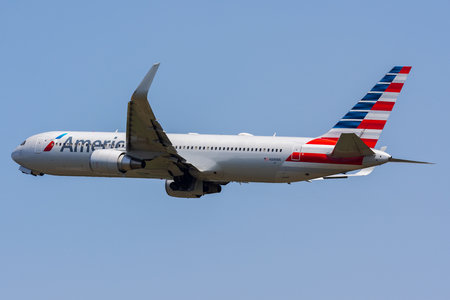 Boeing 767-300ER - N349AN operated by American Airlines