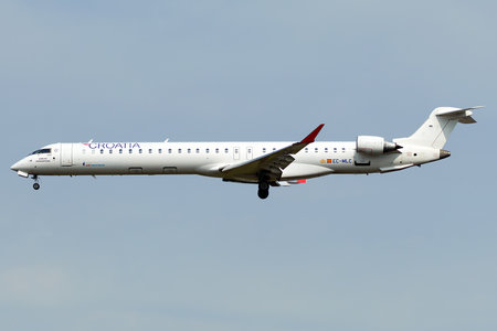 Bombardier CRJ1000 - EC-MLC operated by Air Nostrum