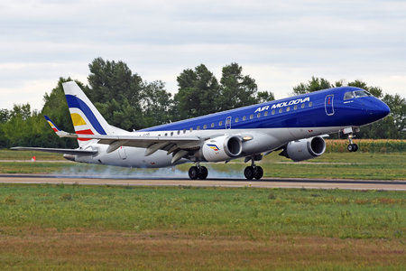 Embraer 190-100LR - ER-ECD operated by Air Moldova