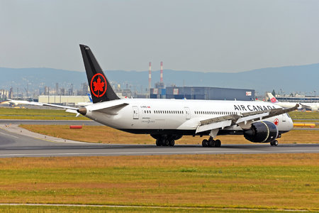 Boeing 787-9 Dreamliner - C-FRTG operated by Air Canada
