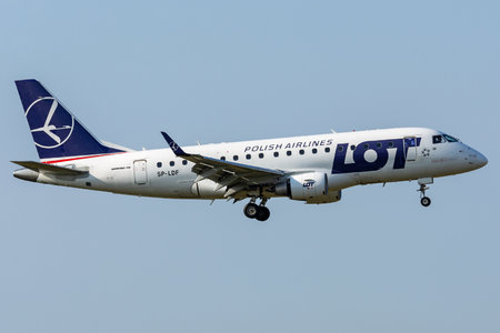 Embraer 170-100LR - SP-LDF operated by LOT Polish Airlines