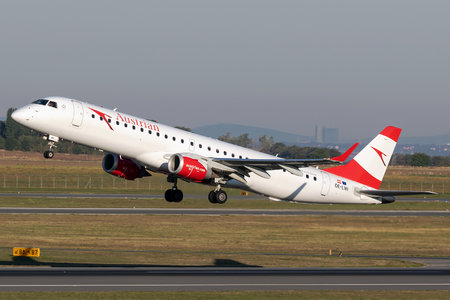 Embraer 190-200LR - OE-LWI operated by Austrian Airlines