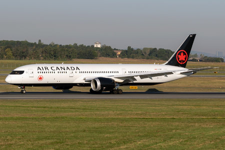Boeing 787-9 Dreamliner - C-FVNF operated by Air Canada