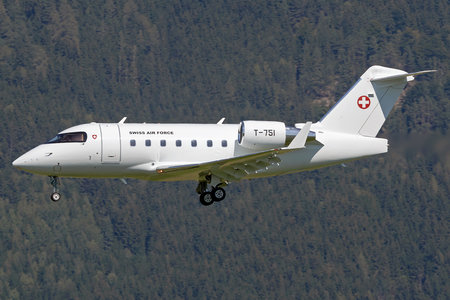 Bombardier Challenger 604 (CL-600-2B16) - T-751 operated by Schweizer Luftwaffe (Swiss Air Force)