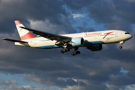 Boeing 777-200ER - OE-LPC operated by Austrian Airlines