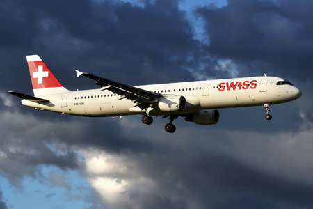 Airbus A321-111 - HB-IOK operated by Swiss International Air Lines