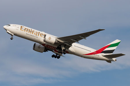 Boeing 777-200LR - A6-EWC operated by Emirates
