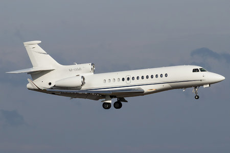 Dassault Falcon 7X - M-IAMI operated by Private operator