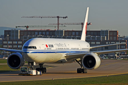 Boeing 777-300ER - B-2090 operated by Air China