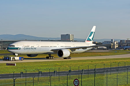 Boeing 777-300ER - B-KQV operated by Cathay Pacific Airways