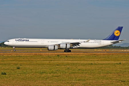 Airbus A340-642 - D-AIHC operated by Lufthansa