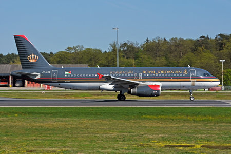 Airbus A320-232 - JY-AYS operated by Royal Jordanian
