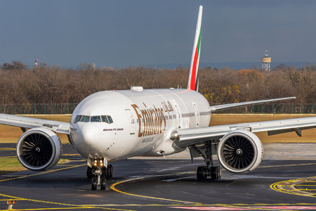 Boeing 777-300ER - A6-EGS operated by Emirates