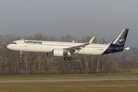 Airbus A321-271NX - D-AIED operated by Lufthansa