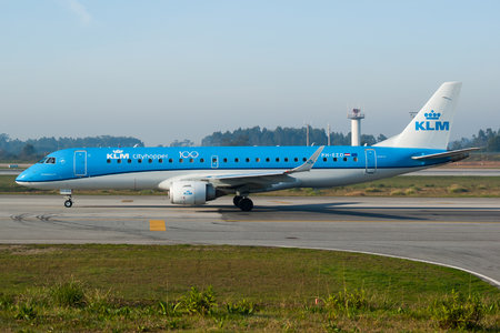 Embraer E190LR (ERJ-190-100LR) - PH-EZD operated by KLM Cityhopper