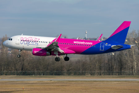 Airbus A320-232 - HA-LYR operated by Wizz Air